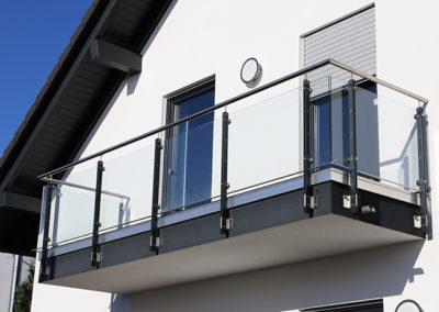 Balkongeländer - Metall - Glas